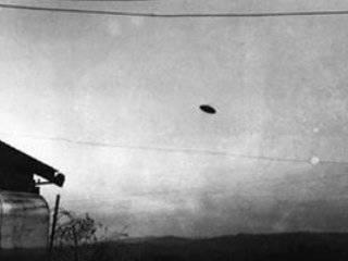 McMinnville_UFO_Photograph